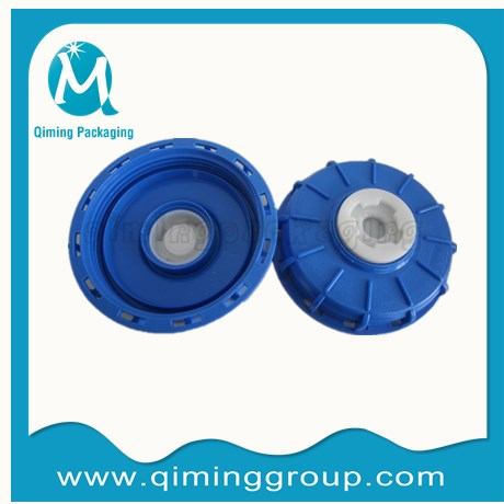 6 IBC tank lid with vented (1) 2 inch plastic plug