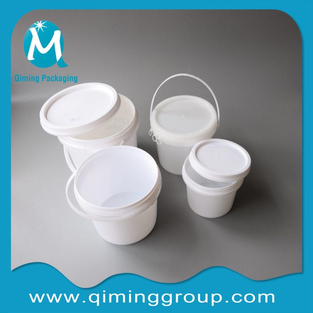 round plastic buckets pails