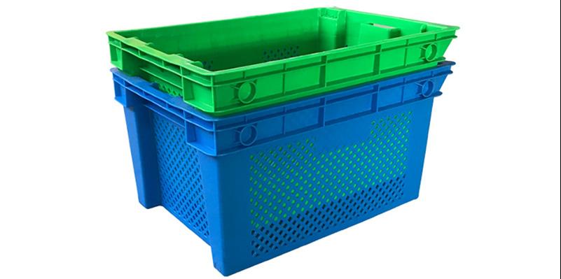plastic fish box
