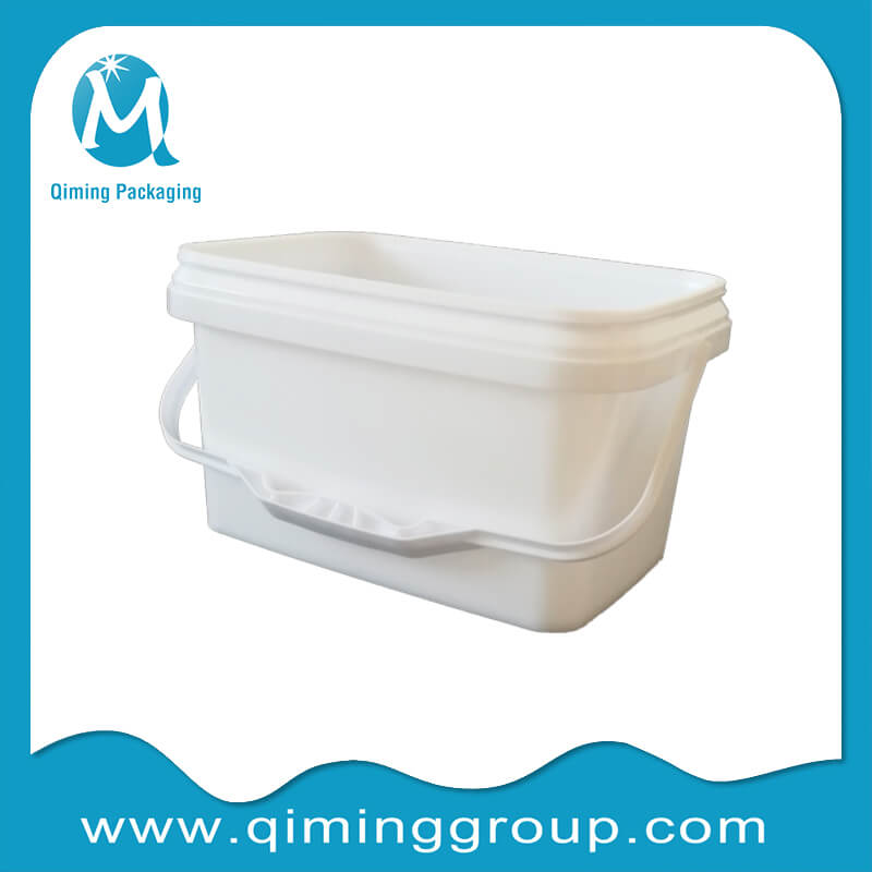 plastic rectangular bucket